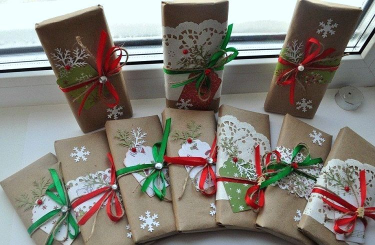 Corporate gifts in envelopes