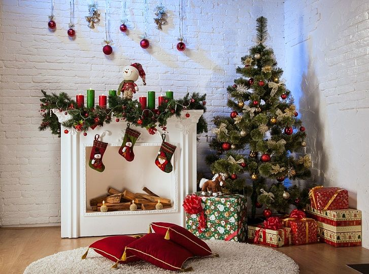 Christmas Cardboard fireplace with your own hands